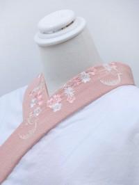 ピンク系・刺繍襟
